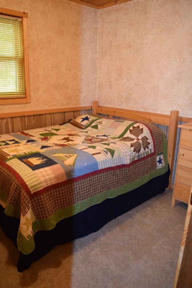 Cabin 7 - Bedroom 3