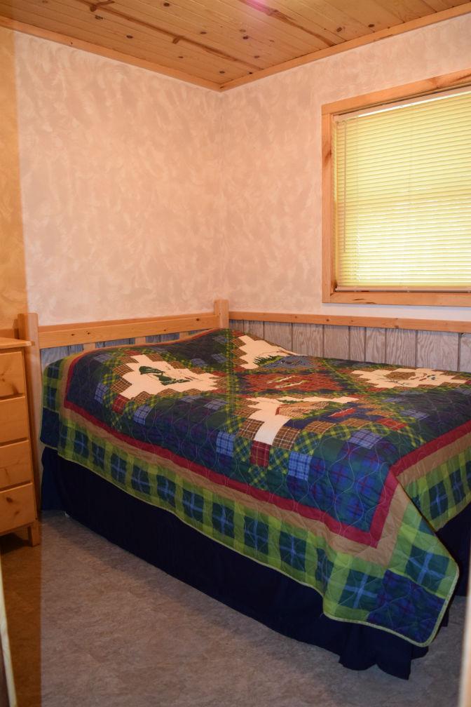 Cabin 7 - Bedroom 2