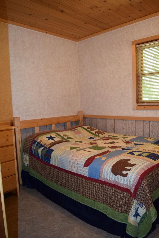 Cabin 7 - Bedroom 1