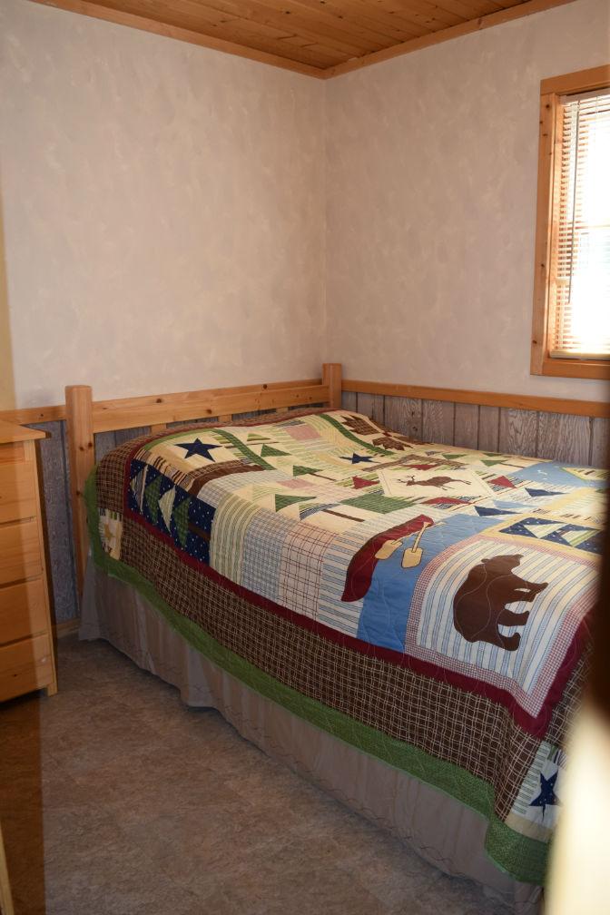 Cabin 6 - Bedroom 3