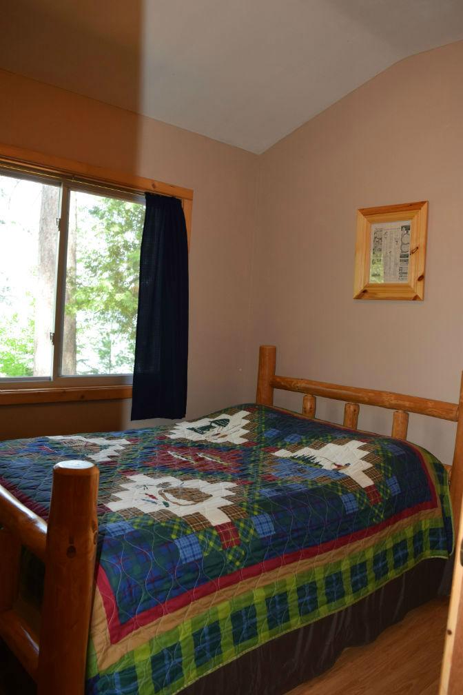 Cabin 4 - Bedroom