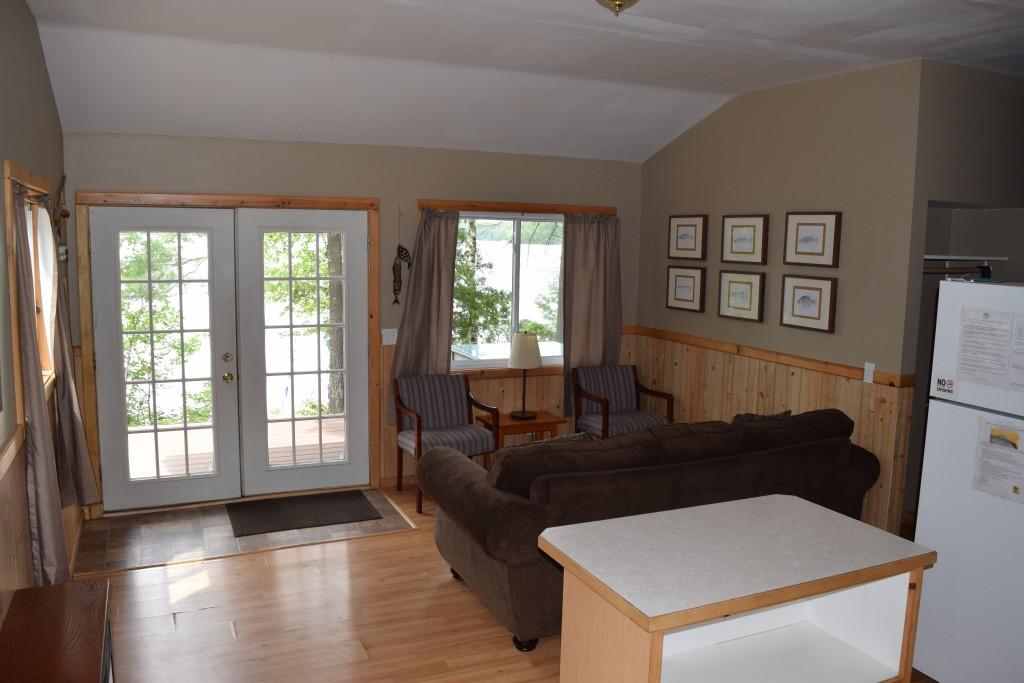 Cabin 4- Living Room