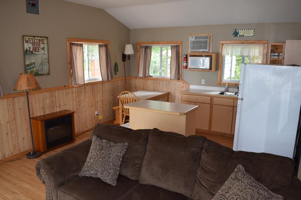 Cabin 3- Kitchen/Dining